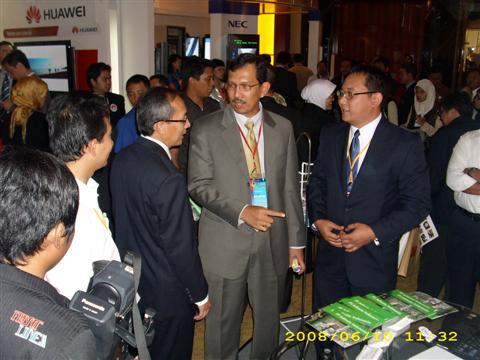 Telkom R&D Center Sr.GM, CEO PT.Telkom, and Adinoto
